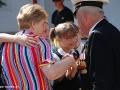 Дети и ветеран войны