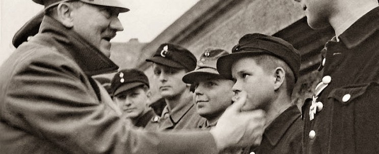 Адольф Гитлер и дети