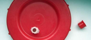 Крышка со штуцером для водяного затвора
