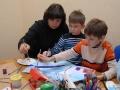 Дети рисуют мультфильм